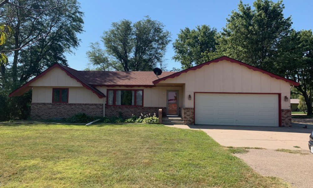 1131 Highway 136, Red Cloud, Nebraska 68970, 3 Bedrooms Bedrooms, ,2 BathroomsBathrooms,Single Family Home,For Sale,Highway 136,1016